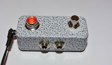 Invisible Sound guitar small A/B switch box with JEWEL Light! 2 colors! A BPedal