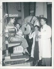 1953 Radiation Treatment Argonne Cancer Research Hospital Chicago Press Photo
