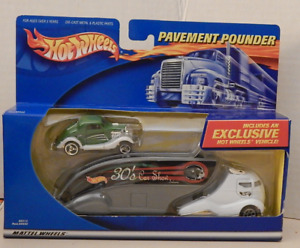 Hot Wheels Pavement Pounder Semi Transporter 3-Window '34 Ford Coupe Hot Rod