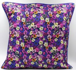 **Exclusive**  Wild Pansy cushion (Purple)