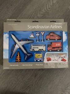 SAS Scandinavian Airlines Airport Play Set 12 Piece Playset Die Cast - NEW