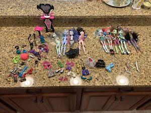 Lot of 9 Monster High Dolls W Accessories Lagoona Blue Shoes Parts Clothes