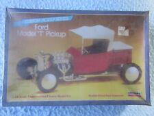 "Lindberg Ford Model ""T' Pickup 1:24 Scale Model Kit"