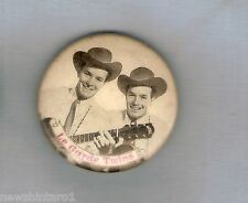 #D97.  LE  GARDE TWINS COUNTRY MUSIC   TIN BADGE