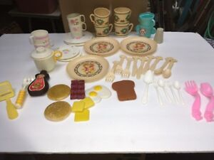 Vintage Cabbage Patch Doll Dishes Tea Plates Set 1984 Misc