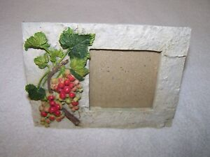 """Unused Pretty Stone Effect Photo Frame With Leaves & Berries 3"""" x 3"""""""
