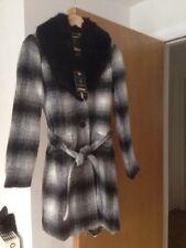 Ladies Lipsy BNWT Black/white Size 8 Coat
