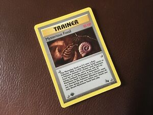 POKEMON RARE 1st EDITION TRAINER MYSTERIOUS FOSSIL CARD VGC UNPLAYED 62/62