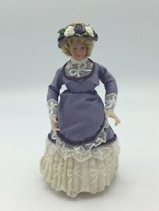 Dolls House Lady In Lilac Dress - 15 cm