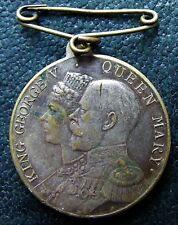 KING GEORGE V & QUEEN MARY 1935 DAILY DISPATCH BIRTHDAY CLUB MEDAL / MEDALLION.