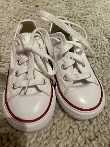 ALLSTAR KIDS WHITE CONVERSE SIZE 7 UK