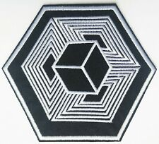 Black White Optical Illusion Cuboid Eternity Embroidered Patch Iron On Quality