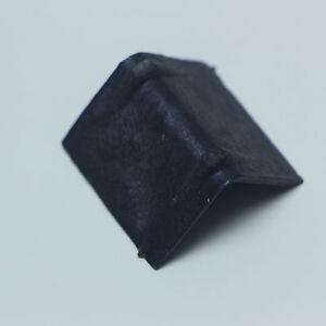 "Plastic Strap Guards, 1.38""""x1"", Black, 200/Case"