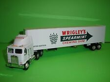 WRIGLEY'S SPEARMINT CHEWING GUM KENWORTH 18 WHEELER SEMI TRUCK REPLICA MODEL