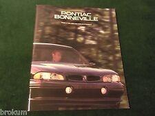 """MINT ORIGINAL 1996 PONTIAC BONNEVILLE SALES BROCHURE W/ COLOR 11"""" X 9"""" (BOX 406)"""