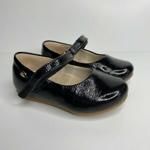 Toddler Girls Patent Leather Black Mary Jane Shoes Size 7 by Pampili