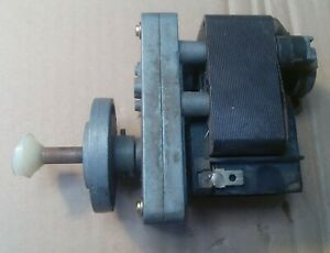Crouzet with stop - Gear motor 220V AC - 22 RPM Kleingetriebemotor Motoriduttore