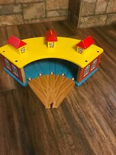 Thomas And Friends Roundhouse Wood Station Preowned Tt5