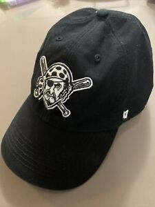 '47 Brand Pittsburgh Pirates MLB Size XL Fitted Franchise Hat Blackout