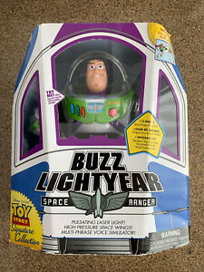 Disney Toy Story Signature Collection Interactive Buzz Lightyear Action Figure