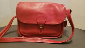 """80's RED! COACH Vtg Shoulder or Crossbag BAG Made in NYC #525-3646 approx 9""""×12"""""""