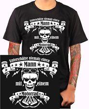 UNTERSCHÄTZE NIEMALS EINEN MANN... Biker Shirt Motorradkleidung Totenkopf m196