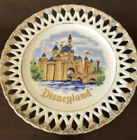 1960/'s Disneyland Souvenir Plate made in Japan Sleeping Beauty/'s Castle Mid-century Wall Plate with Gold Highlights 6 12 Diameter