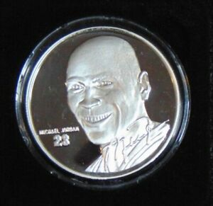 MICHAEL JORDAN CHICAGO BULLS 1.5 OZT .999 SILVER ROUND HIGHLAND MINT COIN 1/2500