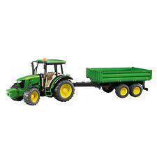Bruder John Deere 5115M mit Bordwandanhänger Traktor Maßstab 1:16 ab 3 Jahre