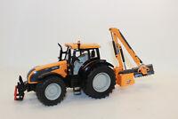 Siku 3659 Valtra  Traktor mit Kuhn Böschungsmähwerk  1:32 NEU in OVP