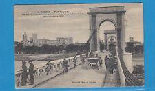 Carte postale ( Avignon ) Le Pont suspendu Jolie scène animée Vélos, voiture