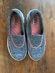 Womens Skechers Gray/Pink Breast Cancer Awareness GoWalk SlipOn Shoes Sz 5.5 B