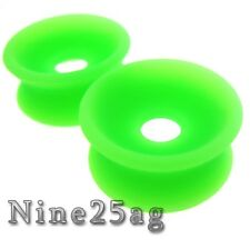 PAIR 10MM 00G GREEN CONCAVE SOFT SILICONE TUNNELS PLUGS
