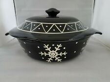 MESA HOME PRODUCTS BLACK WHITE CHRISTMAS SNOWFLAKES ROUND CASSEROLE BAKING DISH