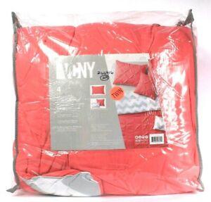 VCNY HOME 4 Piece Twin Reversible Set 1 Comforter 1 Standard Sham 2 Dec Pillows