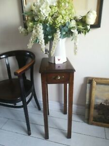 Oak Side Hall Table Wine Lamp Side End Table Postage available