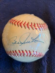 Bill Freehan Autographed Wilson Baseball w/COA & Display Cube Vintage