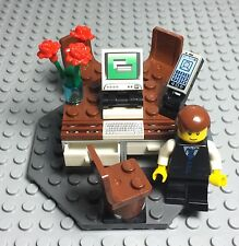 Lego New MOC Creator / City Modular Businessman Mini Figure Office Computer Desk