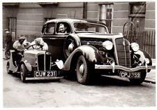Ansichtskarte: Gibt es unterschiedliche Autos für Herren und Damen??