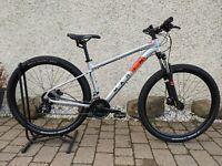 "Marin Rock Springs 1 Mountain Bike (Medium-29"" Wheel)"