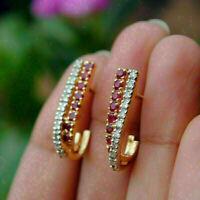 2Ct runde rote Rubin-Diamant-Verlobungs-Ohrstecker aus 14 Karat Gelbgold