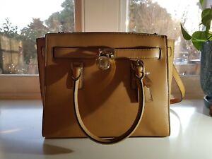 Michael Kors Designer Handbag - Hamilton Large Traveler Tote 100% Genuine