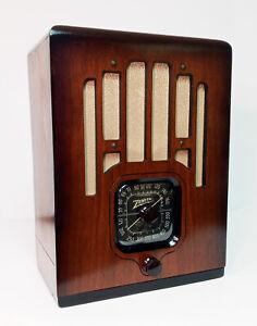 Old Antique Wood Zenith Vintage Tube Radio- Restored Working Art Deco Black Dial