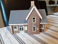00 GUAGE ASHDOWN STATION BUILDING (WOOD/CARD CONSTRUCTION)
