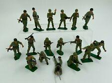 LOT 17 SOLDATS STARLUX FRANCE PLASTIQUE PEINT ARMEE ETRANGERE F278