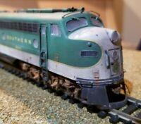 Proto 2000 Southern Railway e8 / e9 weathered locomotive engine HO Life Like