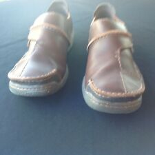 Brown leather loafers - Clarke shoes - size 8.5