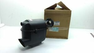 FORD NEW 08 09 10 F350 Super Duty Air Cleaner Intake Filter  Housing 6.4L Diesel