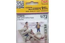 CMK F72079 1/72 RAF pilots before flight (3 fig.)