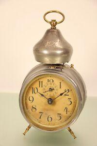 Antiker Deutscher Wecker mit seltener Glockenform Läuft und Weckt